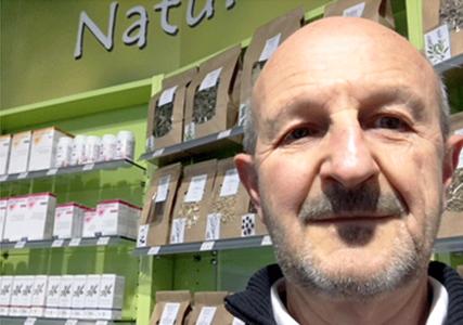 Philippe Combe, pharmacien herboriste passionné d'endobiogénie